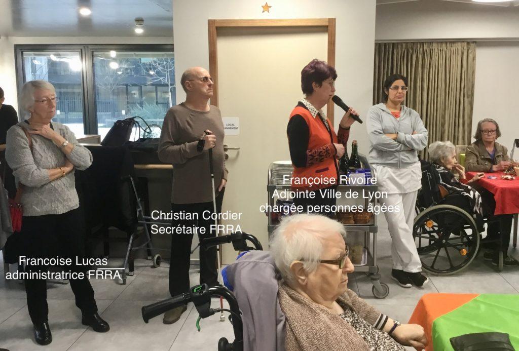 Vœux de la Ville de Lyon aux Girondines. Françoise Rivoire au micro, Christian Cordier et Françoise Lucas debout derrière elle