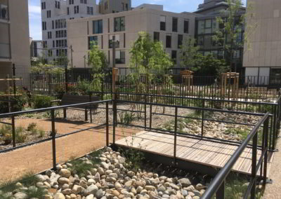 Jardin sécurisé et paysagé